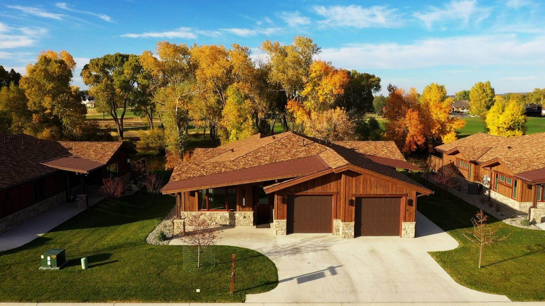 11 Creekside Lane Premium Vacation Rental Home
