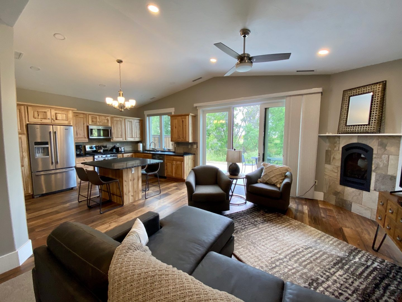 17 Creekside Lane Premium Vacation Rental Home